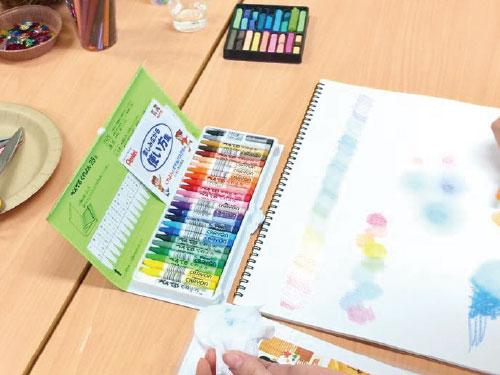 """【全3回で学ぶ】心をケアするツールとしての """"アートセラピー"""" 講座風景4"""